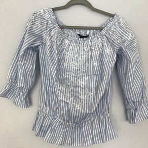 White house black Market embroidered top sz